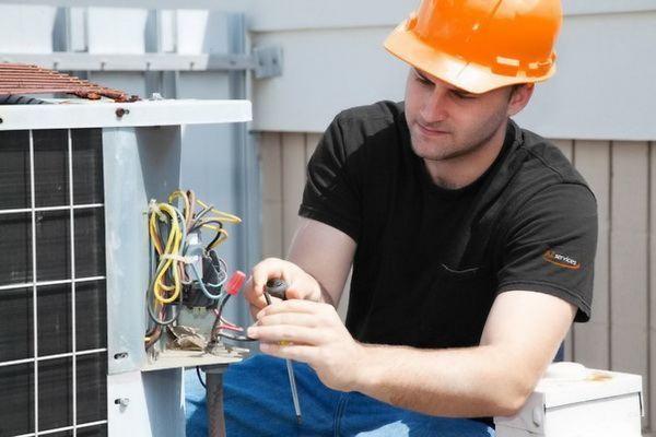 Учебный центр обучение электробезопасности знаки категорийности помещений по электробезопасности