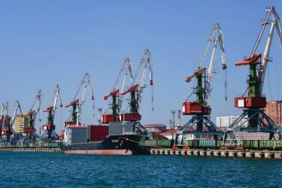 Введены в действие Правила по охране труда в морских и речных портах